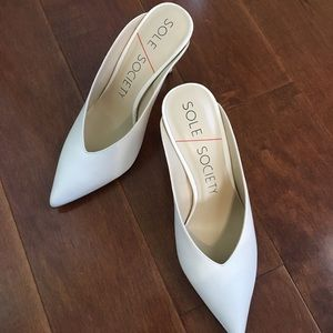 Sole Society Cream white Pump